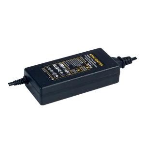 LED adapter tápegység 12VDC 96W dugvillás