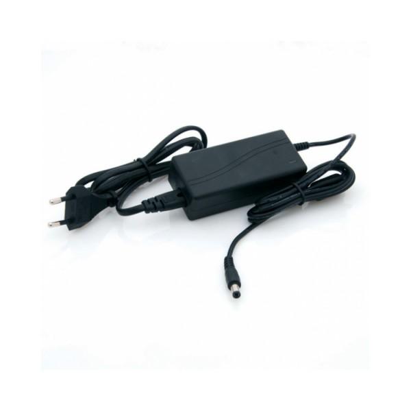 LED tápegység , 12 Volt , 30 Watt , 2,5 Amper , dugvillás, V_TAC